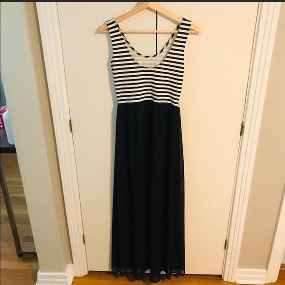 H&M Dresses & Skirts - H&M Maxi Dress !!!!!